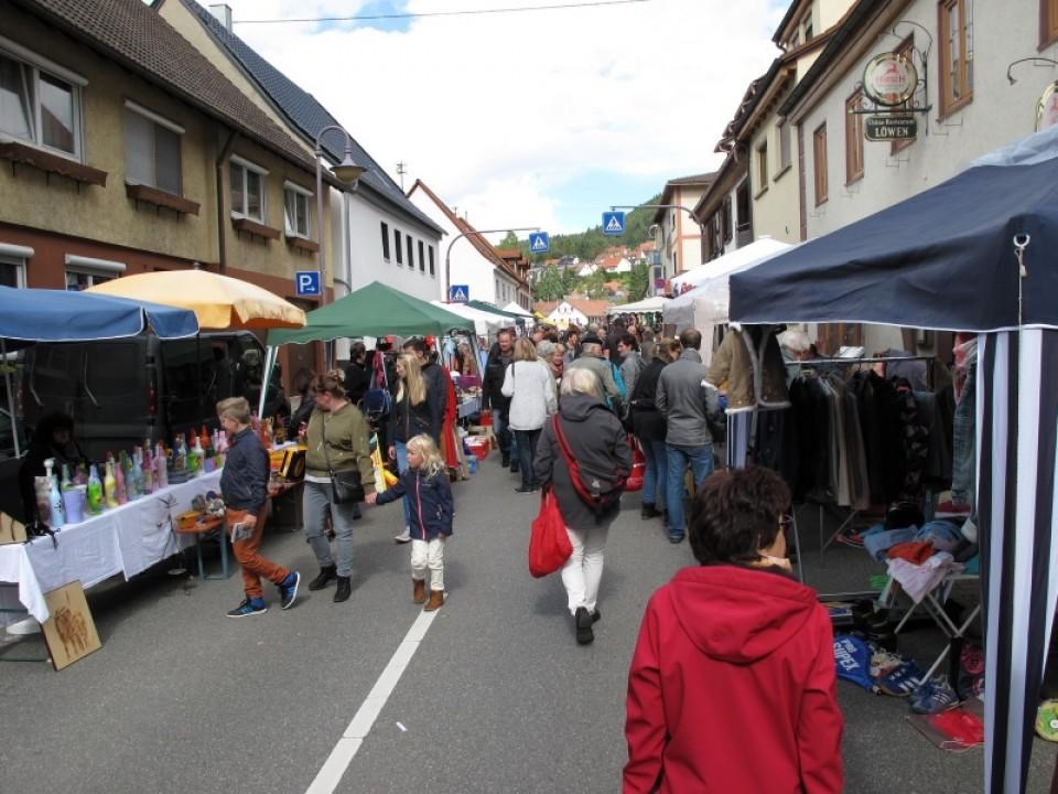 Heuberger Flohmarkt - Flohmarkt Termine - Flohmärkte Baden